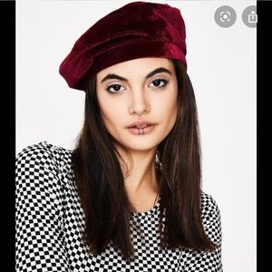 🆕 freepeople fur raspberry beret
